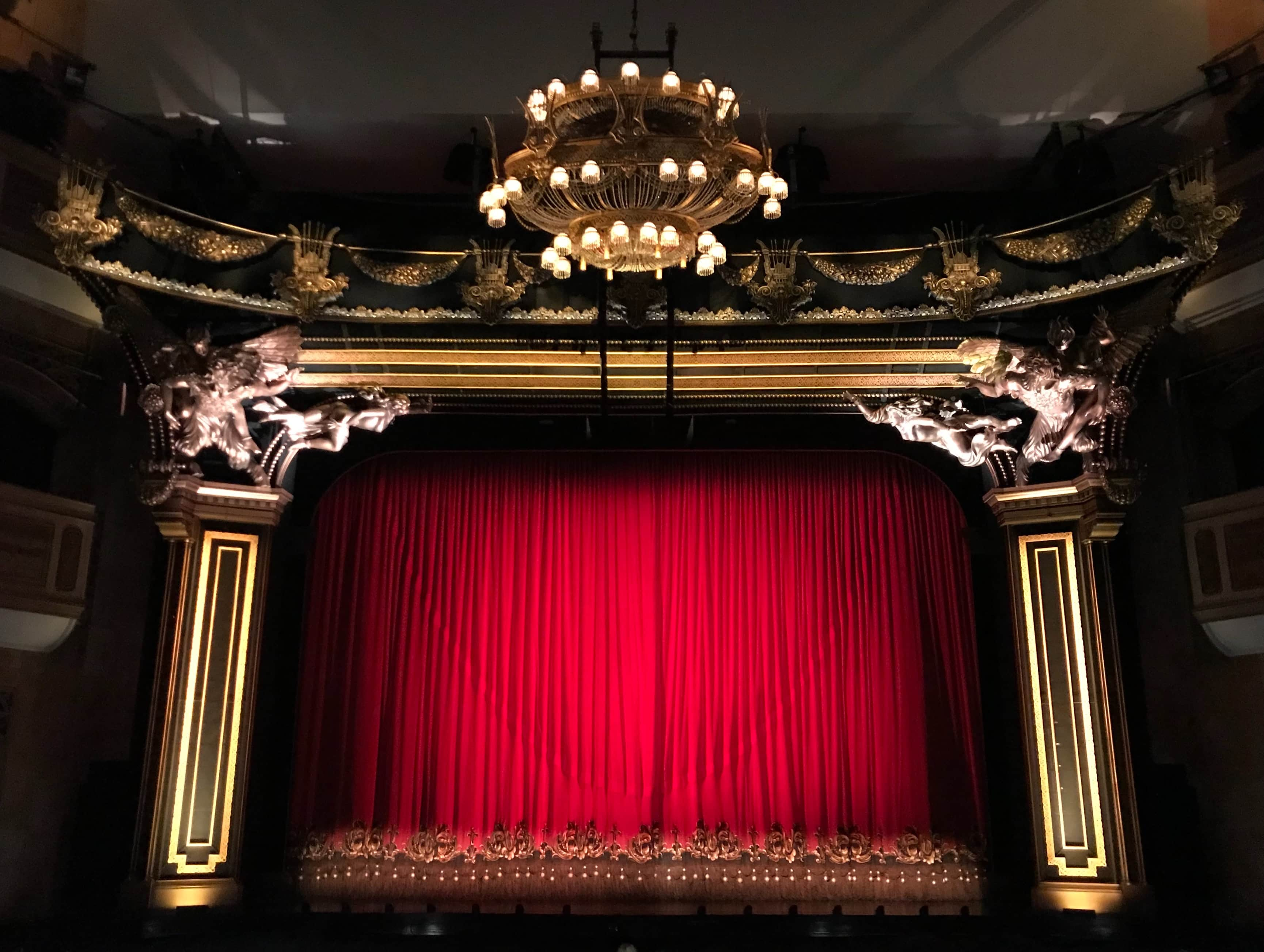 Filmmaking Trends in 2020 - An Image of a red Curtain in a Theatre